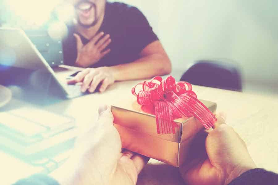 small business holiday bonuses